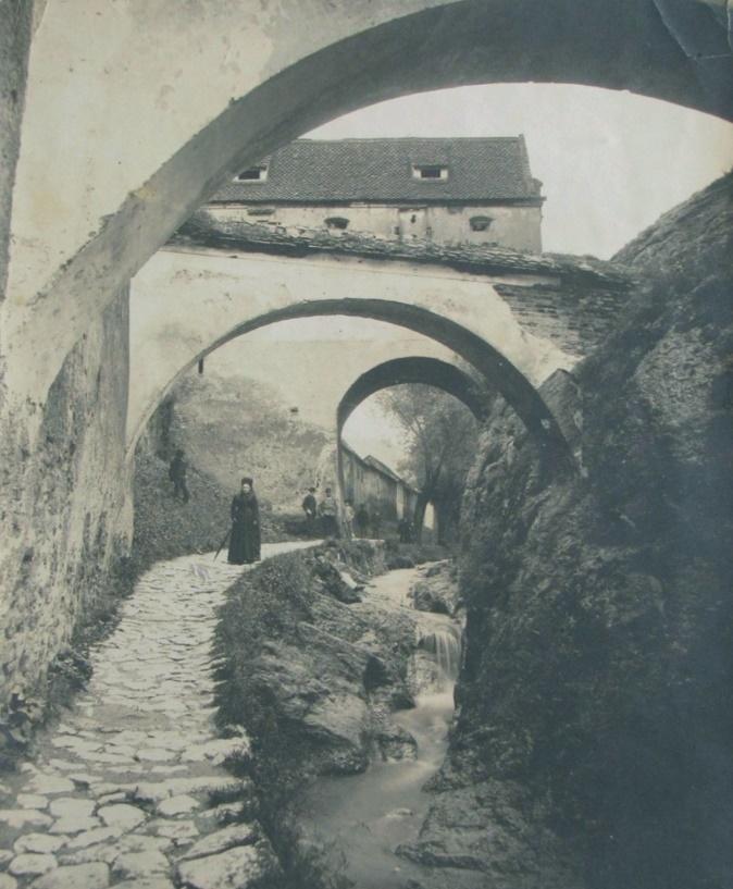 strada dupa ziduri