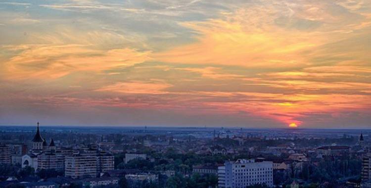 Tu... și Oradea, de Mihaela Datcu